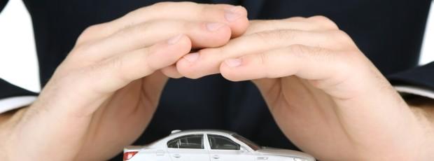 Ubezpieczenia, a wakacje samochodem – jak przygotować się do drogi?