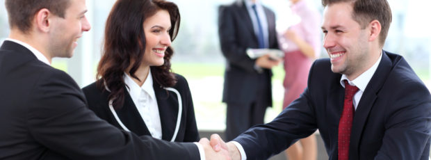 Psychologia sprzedaży: 5 sposobów na zaciekawienie klienta